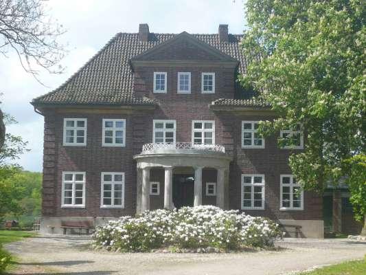 Herrenhaus-aussen-16